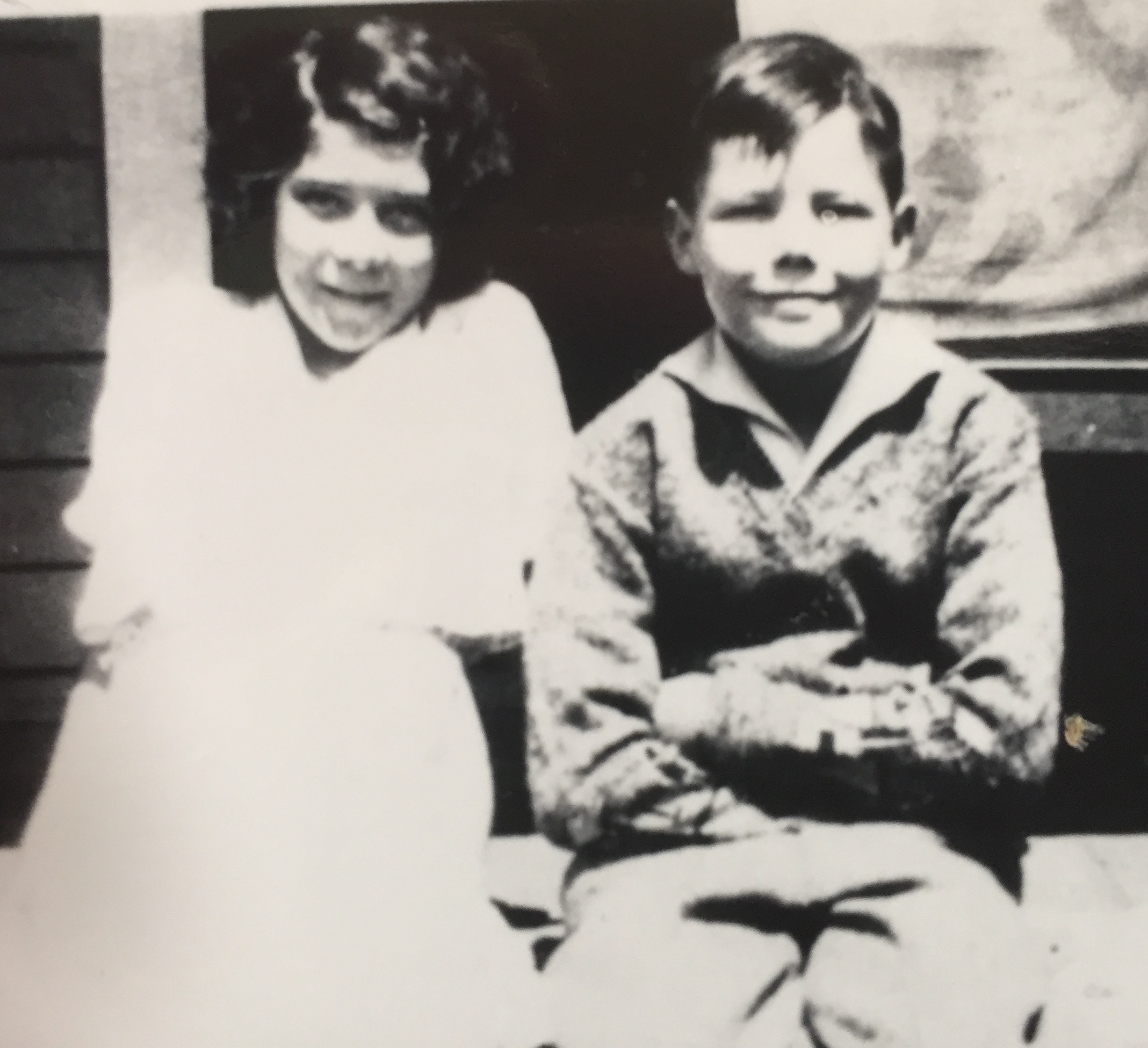 Gladys Juanita and Thomas McDonald Richardson, abt 1932